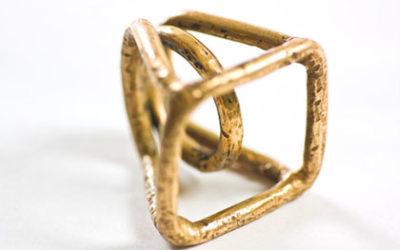 Isabella Nurigiani: Immersioni geometriche